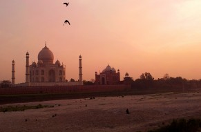 Taj Mahal Private Day Tour by Express Train from Delhi