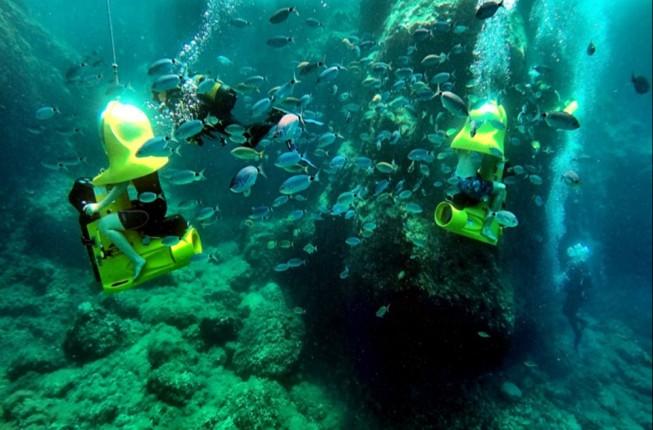 Experience The Bond Safari Underwater Scooter