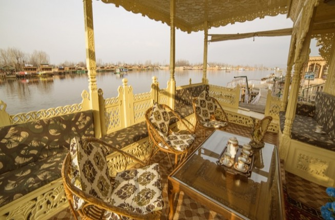 One of a Lifetime Experience in Luxury Houseboats