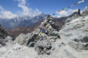 Thrilling Trek Tour of Everest High Passes