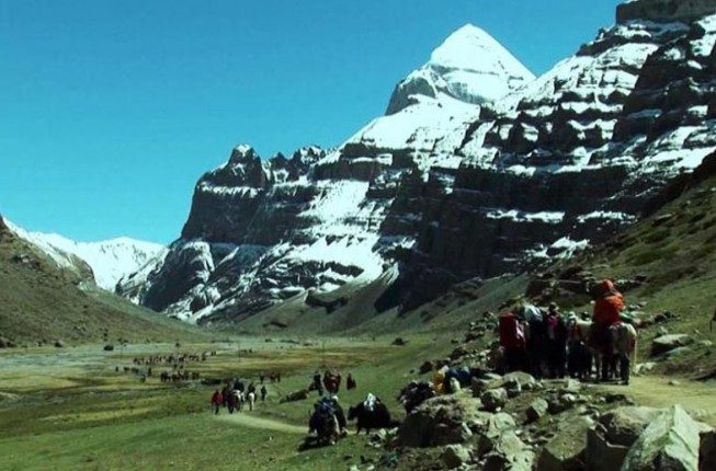 Kailash Mansarovar Yatra by helicopter from Lucknow
