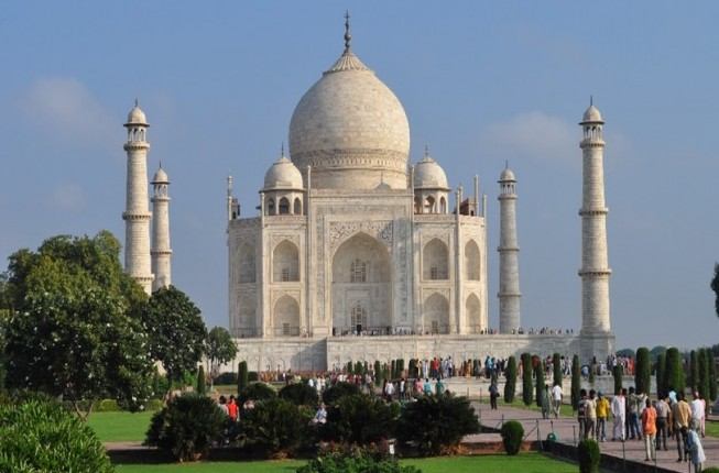 Day Trip to Agra Taj Mahal with Fatehpur Sakri from Delhi