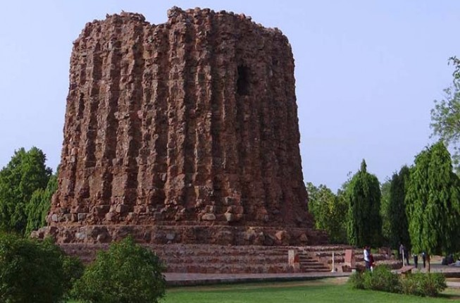 Delhi Monuments Half Day Tour
