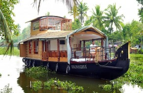 Houseboat cruise in the backwaters of Kerala