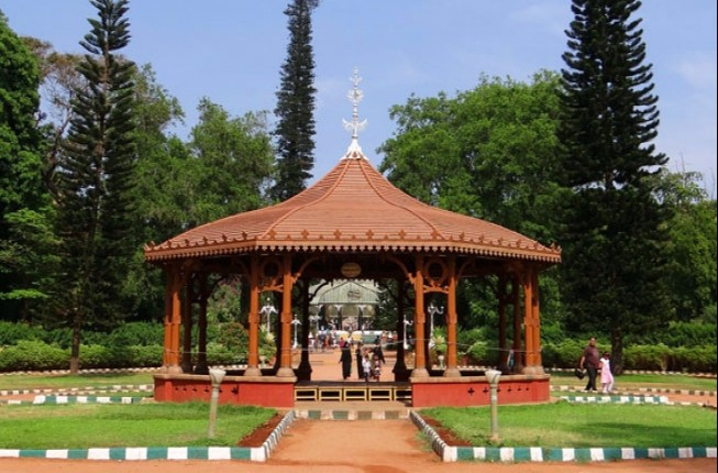 Evening Walking Tour In The Lalbagh Botanical Garden