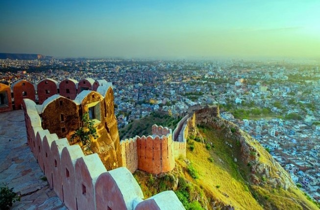 Jaipur full day Sightseeing tour by Air-Conditioned vehicle Including Guide