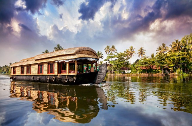 Luxurious Kerala Holiday for Family and Friends