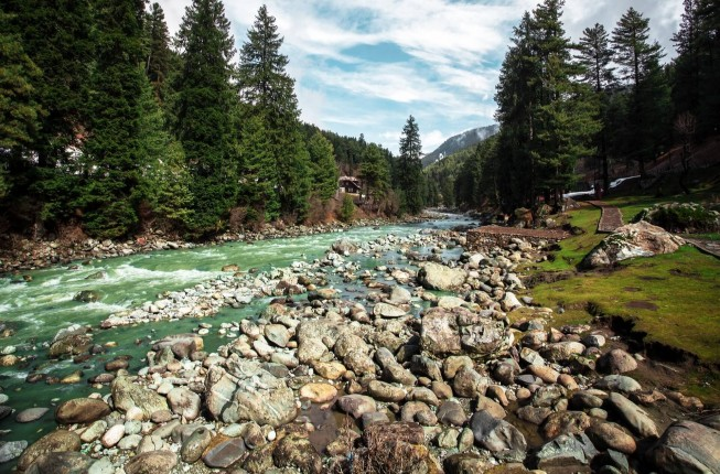 Kashmir Fascination with Gulmarg and Pahalgam