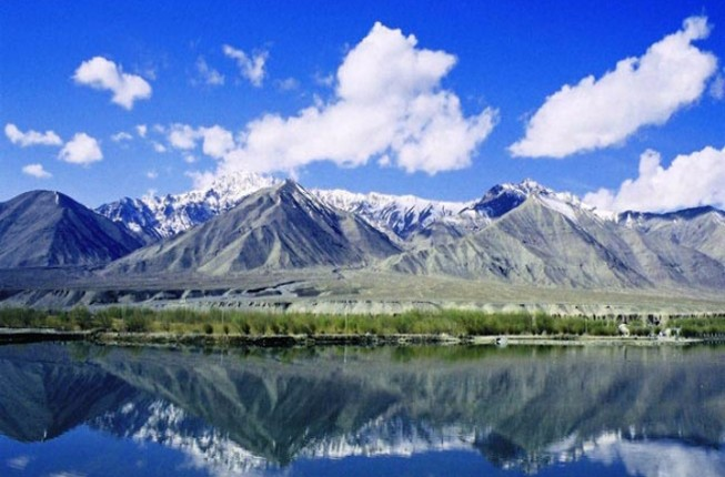 Experience the Paradise of Jammu Kashmir with an Amazing tour