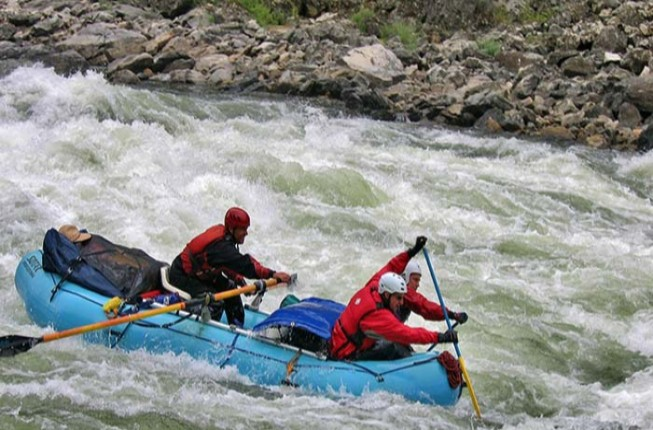 River Rafting activity near Manali