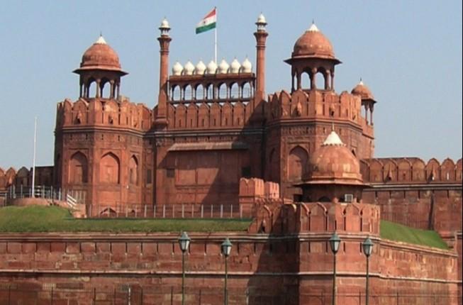 The symbolic heart of Old Delhi & fascinating Akshardham temple tour